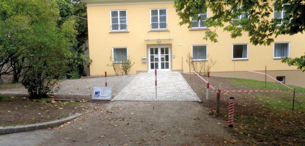 Vorplatz-Gestaltung in Wien von Kager Bau