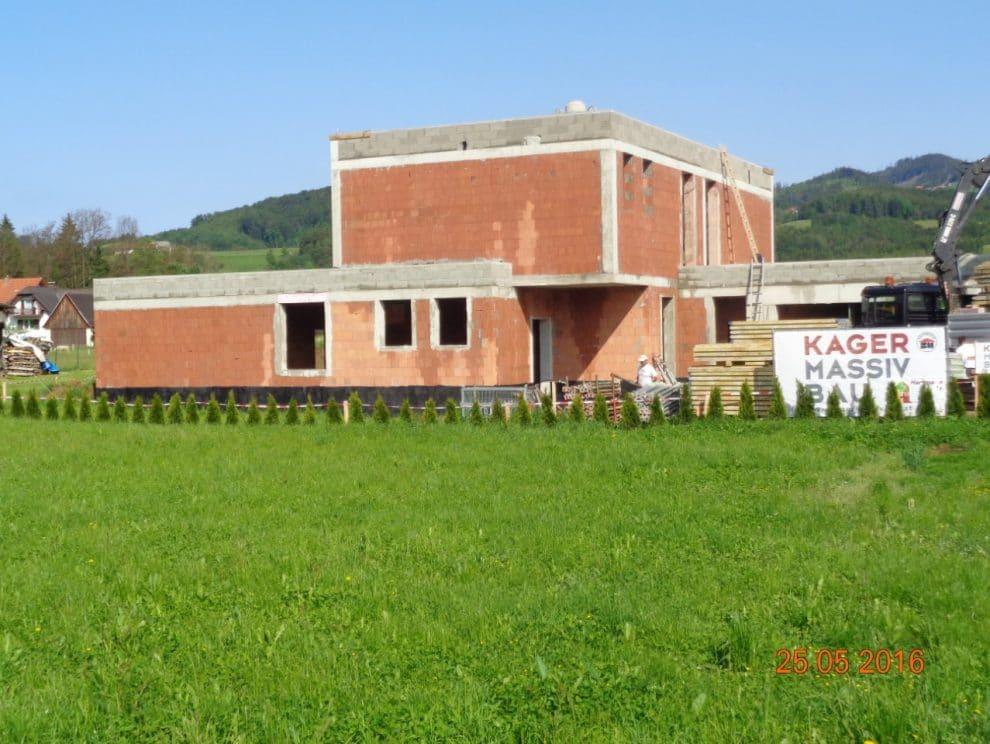 Einfamilienhaus Bau von der Rohbau-Baufirma Kager