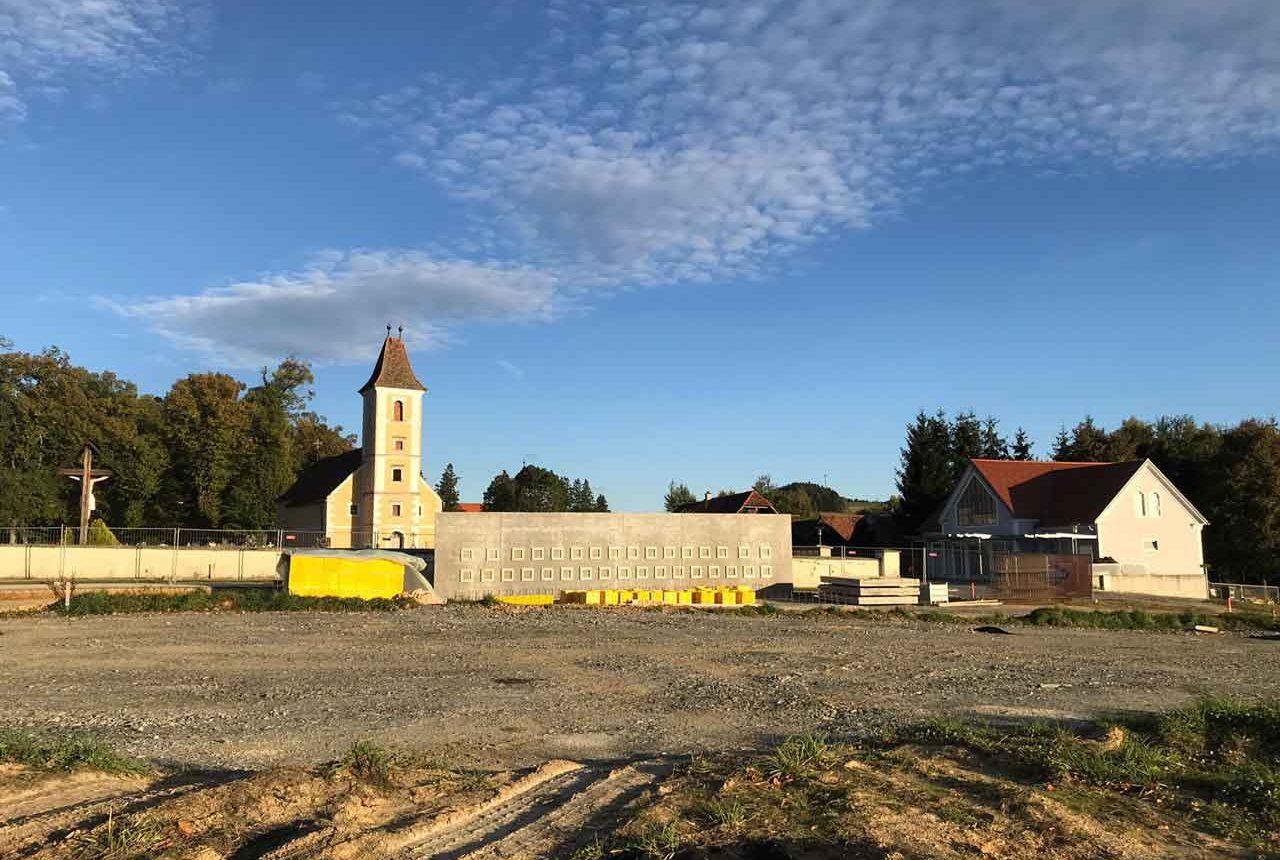 Unrnenwand Friedhof Vorau